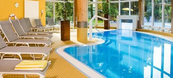 Hotele z basenem krytym na nartach w Austrii